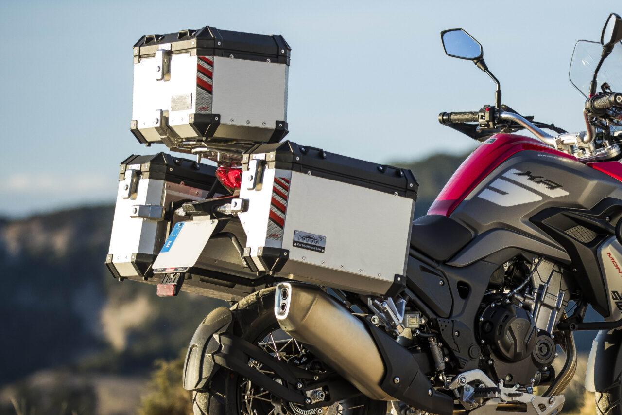 Moto-macbor-nuevo-modelo-montana-xr5-regalo-kit-maletas-1280x853.jpg